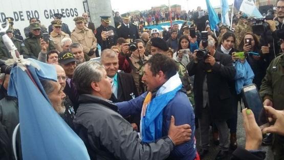 Corrió más de 300 Km y cumplió con su homenaje por Malvinas