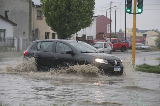 Siguen vigentes alertas por vientos intensos y abundantes precipitaciones