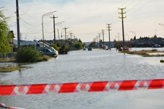 Una de las calles inundadas. (C.R)