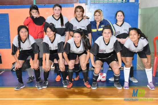 El fútbol femenino pisa fuerte en Caleta Olivia