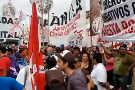 Mineros denuncian represión y la detención de un trabajador durante la marcha
