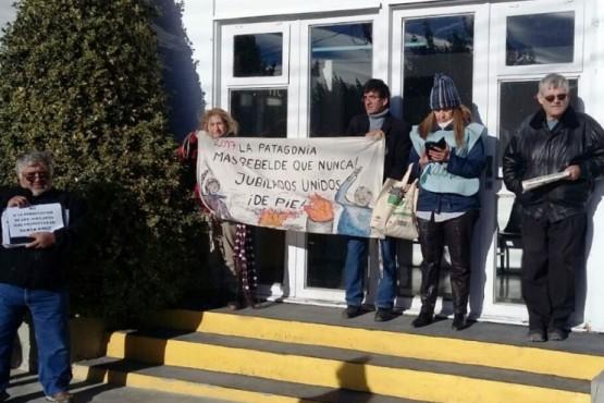 Jubilados Unidos en Acción esperan ingresar a la Legislatura