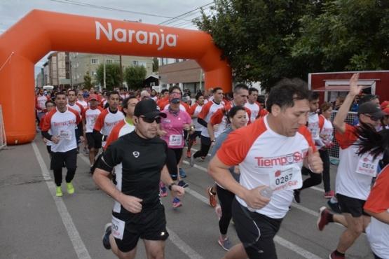 Inició la corrida atlética Aniversario de TiempoSur