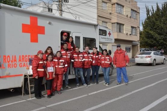 Más de veinte voluntarios de la Cruz Roja en la corrida atlética