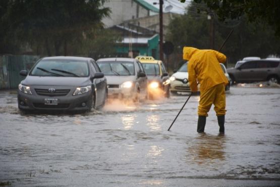 La semana pasada dejó varias calles inundadas y familias evacuadas. (C.R)