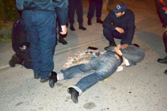 Dos sujetos fueron detenidos tras cometer dos robos