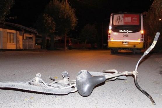 Joven ciclista fue atropellado por un colectivo de Montecristo
