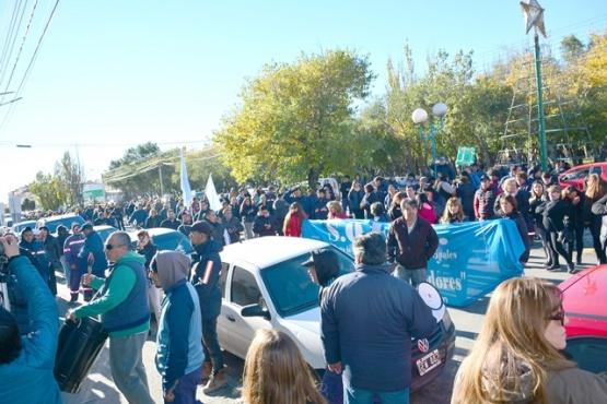 Municipales iniciaron paro total de actividades hasta el martes
