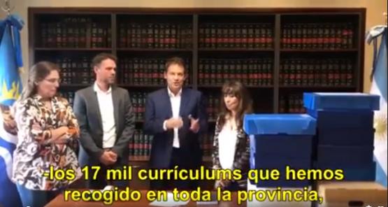 Costa entregó currículums de aspirantes a las represas que juntó en campaña
