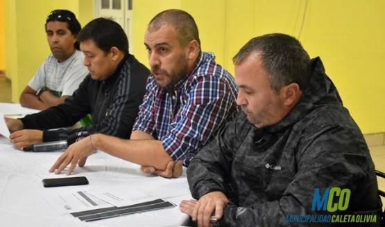 Autoridades comunales se reunieron con taxistas y remiseros