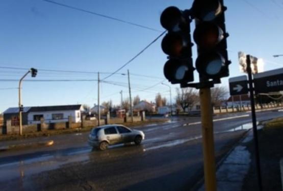 Desde el Concejo Deliberante también pidieron semáforos para la avenida Perón