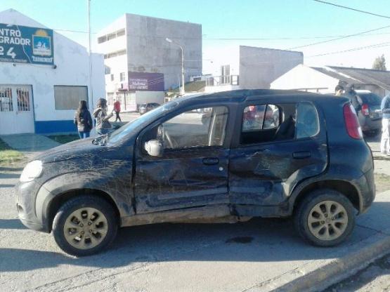 Fuerte colisión con lesionados en av. Perón