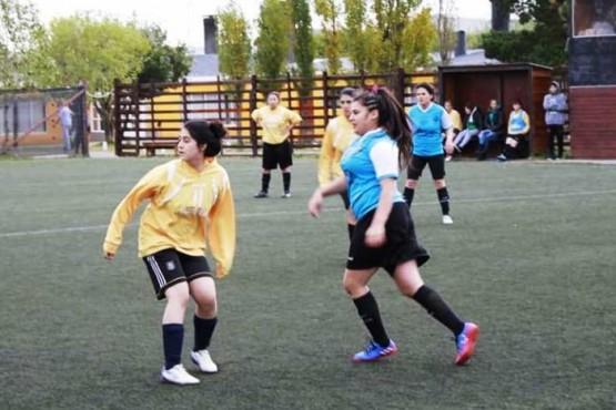 Estrella Femenino y Palma-UOCRA mandan a puro gol en la A
