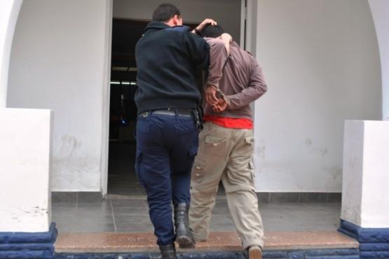 Buscan a un colombiano por masturbarse en público