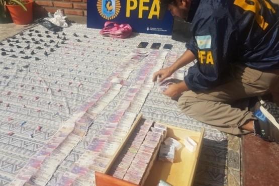 Encontraron plata narco y tuvieron que pedir ayuda al Banco Nación para contarla