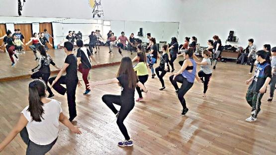Franco Tabernero dictará capacitación de Danza Jazz en Río Gallegos