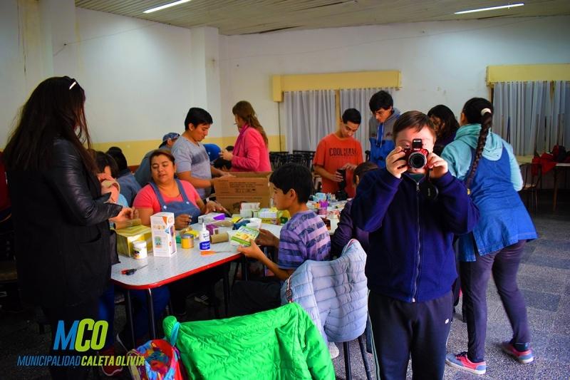 Los chicos aprendieron sobre fotografía.