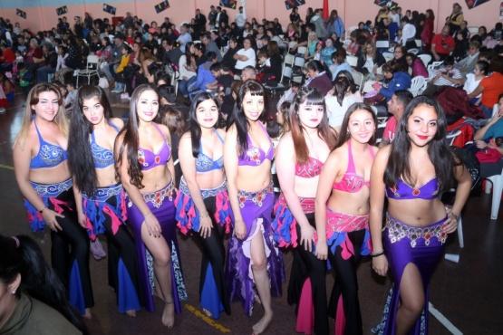 """Escuelas de Danzas en sus diferentes estilos colmaron el """"República de Guatemala"""""""