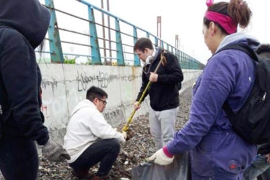 Un grupo de vecinos logró reducir la cantidad de basura en la costanera