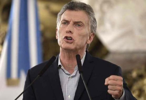 Mauricio Macri pide ayuda externa: