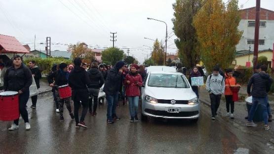 Estudiantes del COSEBA reclaman en el CPE