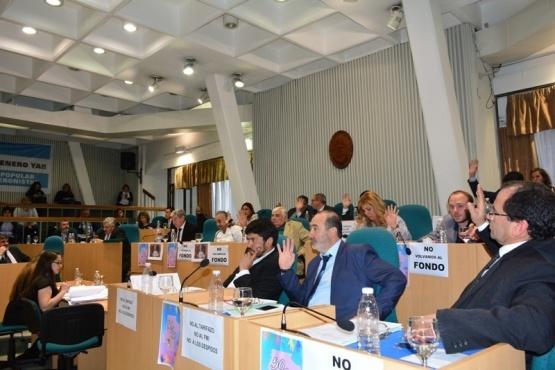 Legisladores sancionaron presupuestos y repudiaron la vuelta al FMI