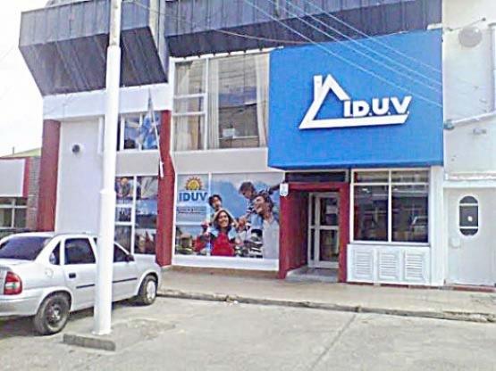 SUTRAVIC firmó acuerdo por viviendas para los empleados de IDUV