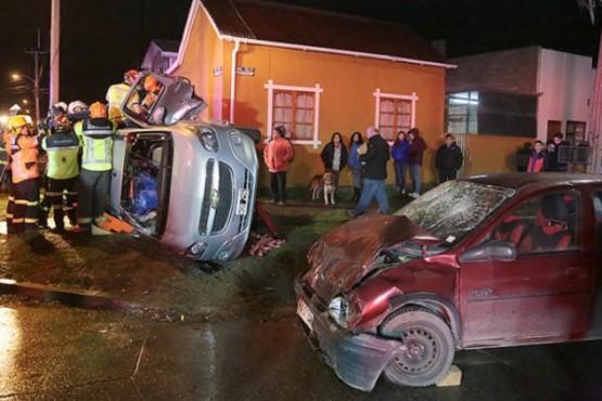 Choque en Punta Arenas: familia de conductora argentina acusa discriminación