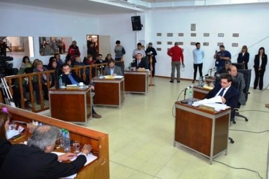 Esperan que el reclamo municipal no se extienda para no suspender sesiones en el HCD