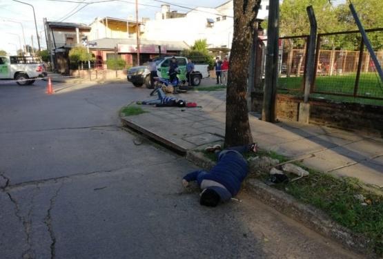 """Joven de Santa Cruz acusado de """"motochorro"""" murió tras chocar contra un árbol"""