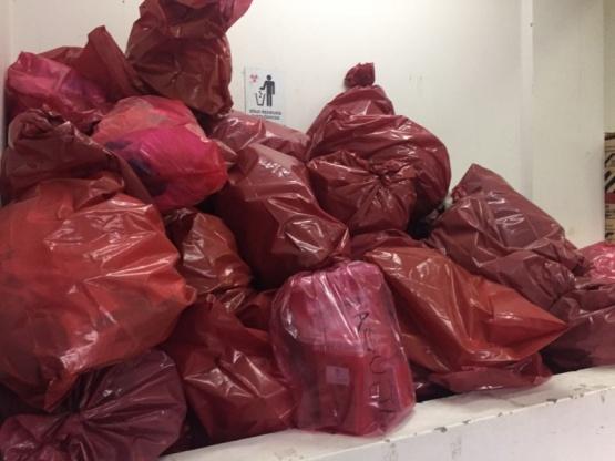 Bolsas de residuos que debe ser incinerada.