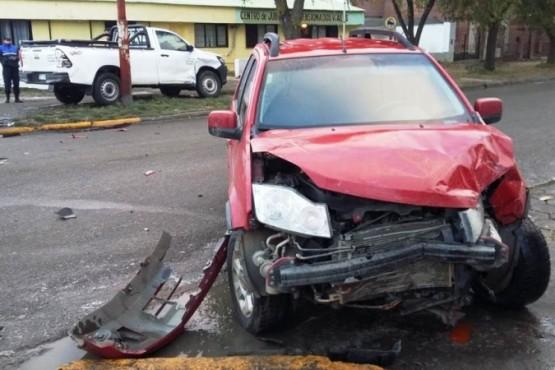Mañana accidentada: una mujer hospitalizada tras chocar