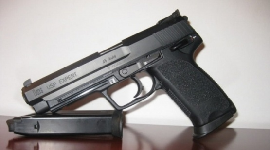 Detenido por robarle el arma a un policía y realizar varios disparos