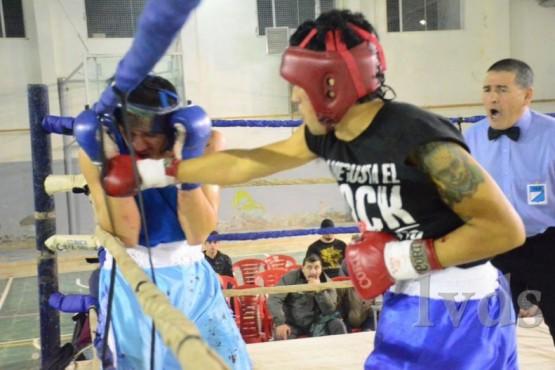 Una gran noche de boxeo amateur en el gimnasio Mosconi