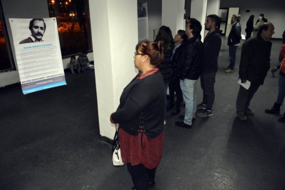 Se inauguró la muestra sobre los 13 desaparecidos de Santa Cruz