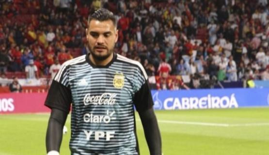 Romero se lesionó una rodilla y se perderá el Mundial