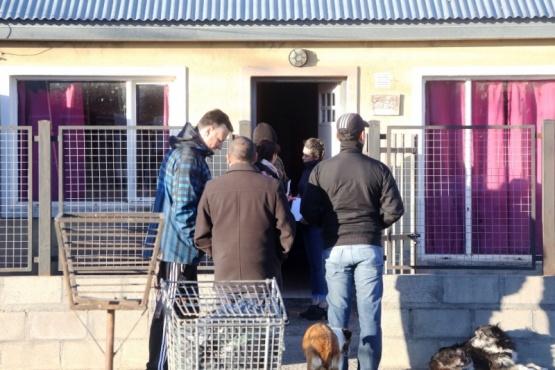 Dos personas detenidas en tres allanamientos por amenazas
