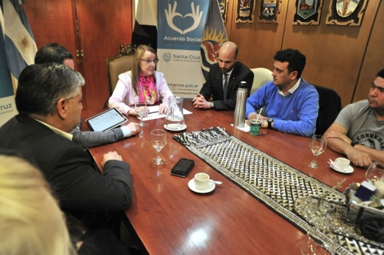 La Gobernadora se reunió con el sector pesquero.