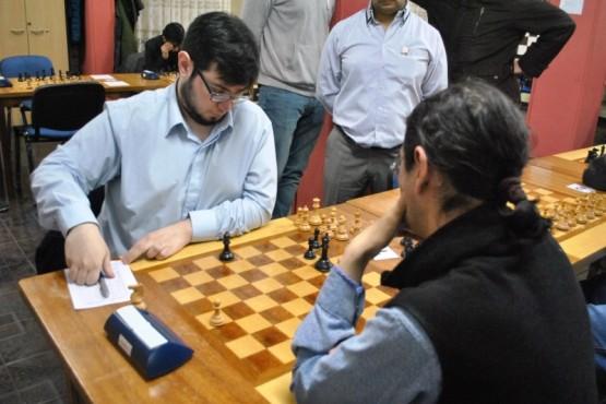 El campeón frente a López.