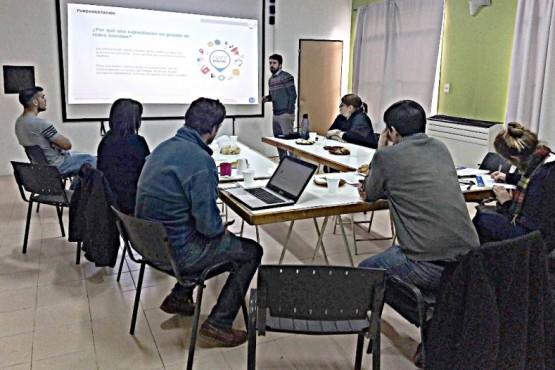 Coordinadores de Puntos Digitales se capacitaron en comunicación y redes sociales