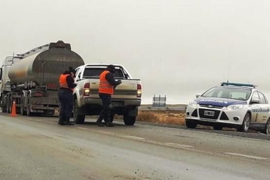 En operativo secuestran dos vehículos