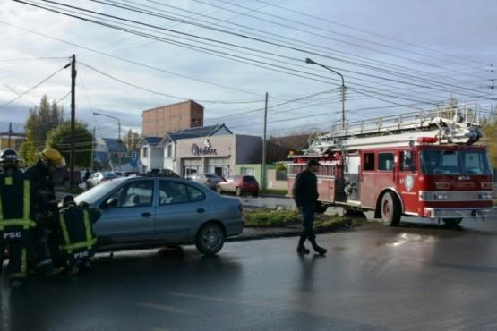 Tres personas resultaron heridas en un fuerte choque