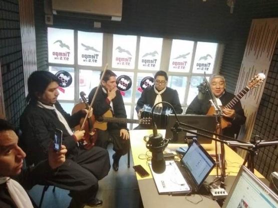 Las raíces folklóricas en Tiempo FM