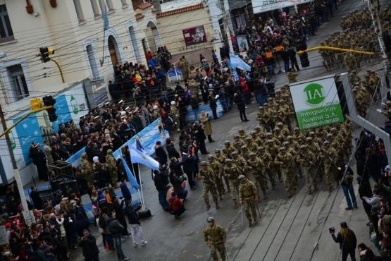 Se conmemoró la Revolución de Mayo con el tradicional desfile cívico militar