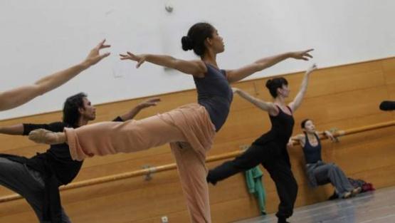 """Convocan a bailarines de Santa Cruz a sumarse al programa """"Factoría en Danza"""""""