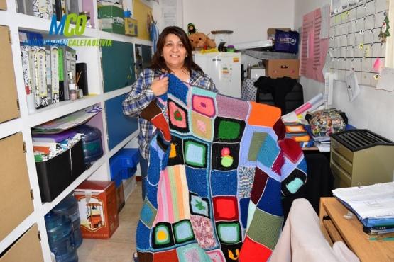 Campaña para coser mantas de cara al invierno