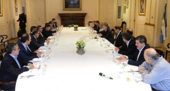 Macri le pidió a Giubetich y a otros 17 intendentes que ajusten el gasto