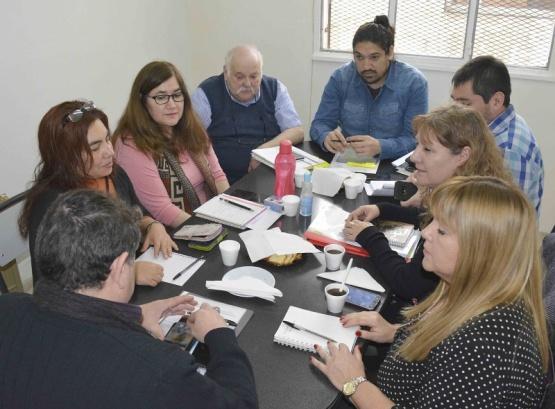 El CPE analizó la reorganización de secciones en colegios