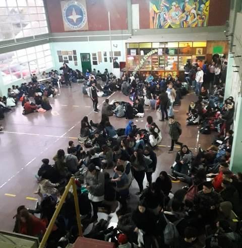 Sentada de alumnos en el colegio Guatemala