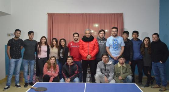 Aporte a estudiantes universitarios de Cañadón Seco